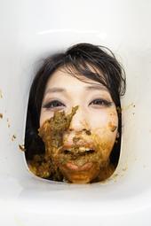 便器女 ~生まれ変わったら便器になりたい食糞女~ 後藤結愛×涼宮凜
