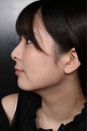 奇跡の横顔!!豊中アリスの鼻筋の通った超美鼻から垂れ落ちる純粋な鼻水